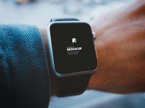 Free Smartwatch on Hand Mockup