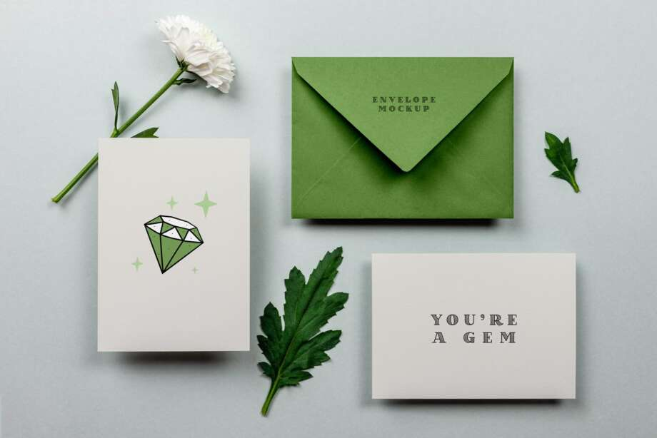 Free Greeting Card & Envelope Mockup PSD