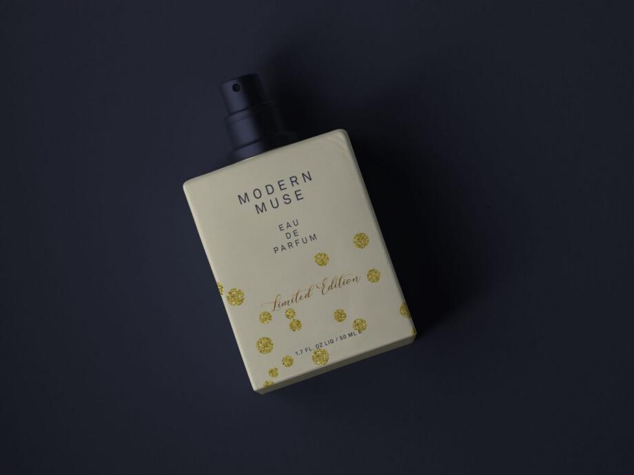 Free Simple Perfume Bottle Mockup PSD
