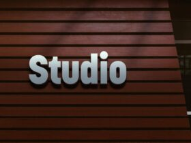 Free Design Studio 3D Logo Mockup PSD Template