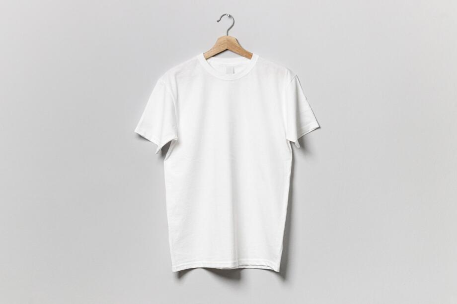 Free Simple Hanging T-shirt Mockup PSD Template