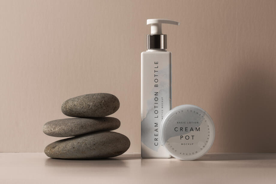 Free Lotion Bottle Cosmetic Mockup PSD Template