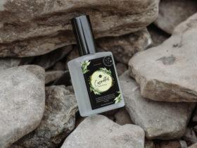 Free Realistic Cosmetics Bottle Mockup PSD Template