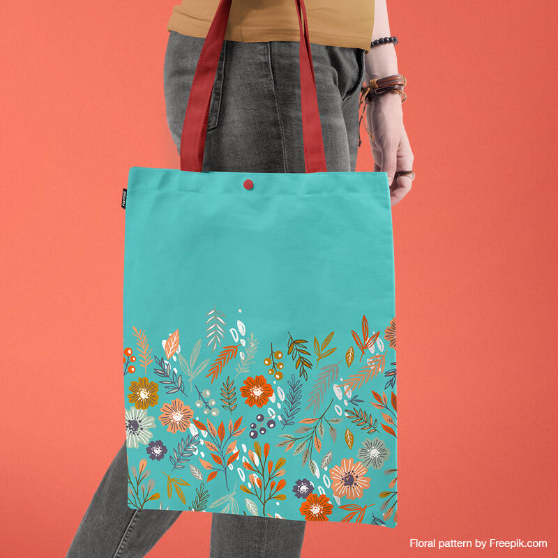 Free Tote Bag Mockup PSD Template